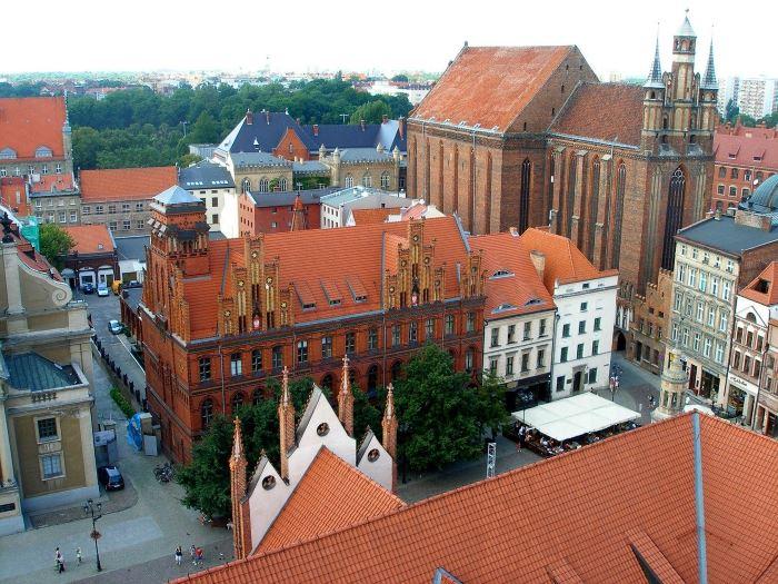 UM Toruń:                     Auto Skyway Festival