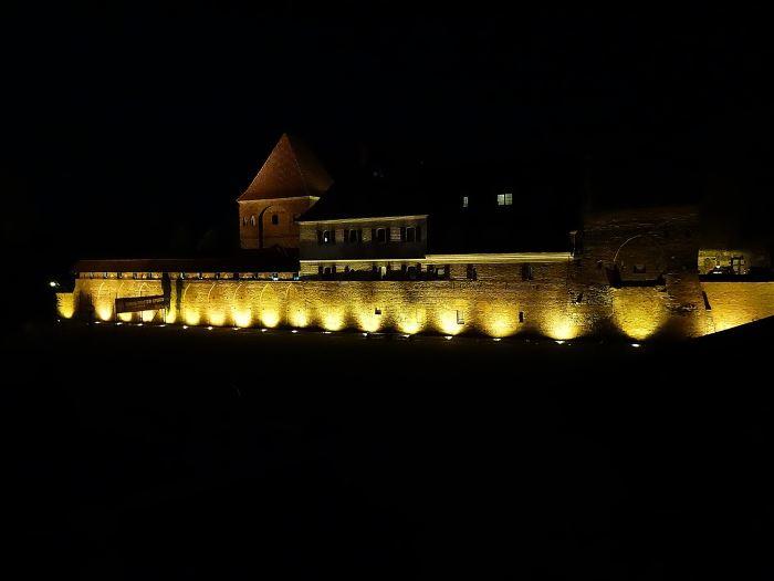 UM Toruń:                     Ukwiecony Toruń